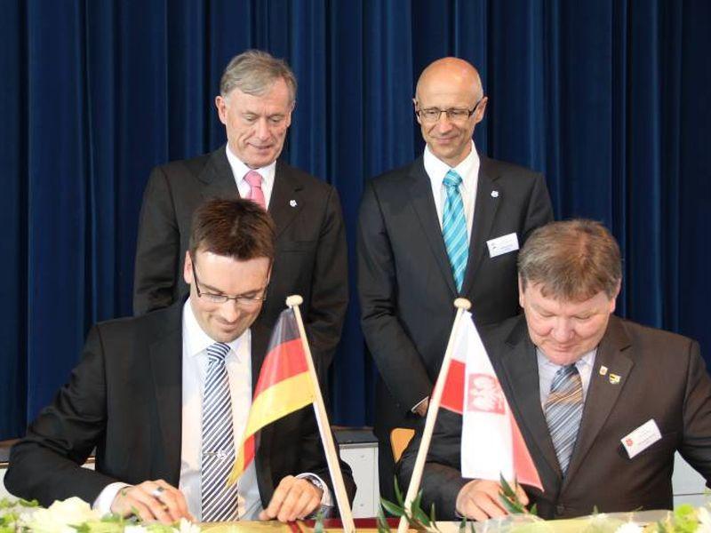 Unterzeichnung der deutsch-polnischen Gemeindepartnerschaft