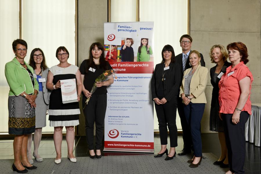 Verleihung des Siegels »Familiengerechte Kommune« an die Stadt Oranienburg am 12. Juni 2015