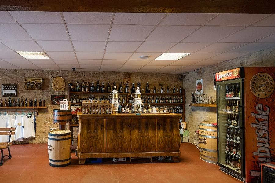 Der Vietzer Klosterladen in dem Brauereimuseum Witnica lädt zur Verkostung nach einer Brauereibesichtung ein