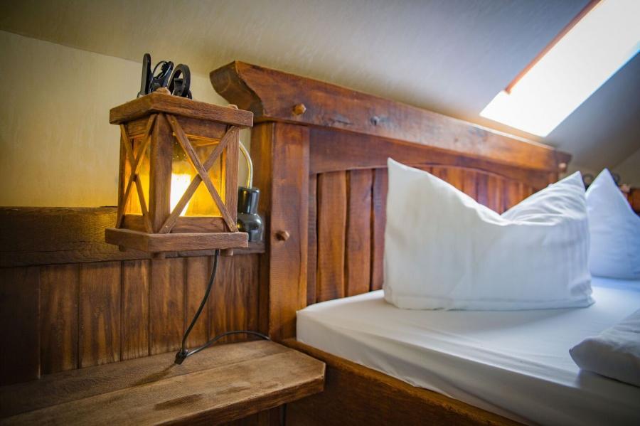 Zimmer mit Kopfkissen