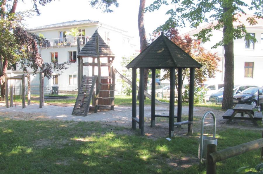 Wandlitz Spielplatz Am Schwalbenberg Kletterturm Pavillon, Foto:  Gemeinde Wandlitz