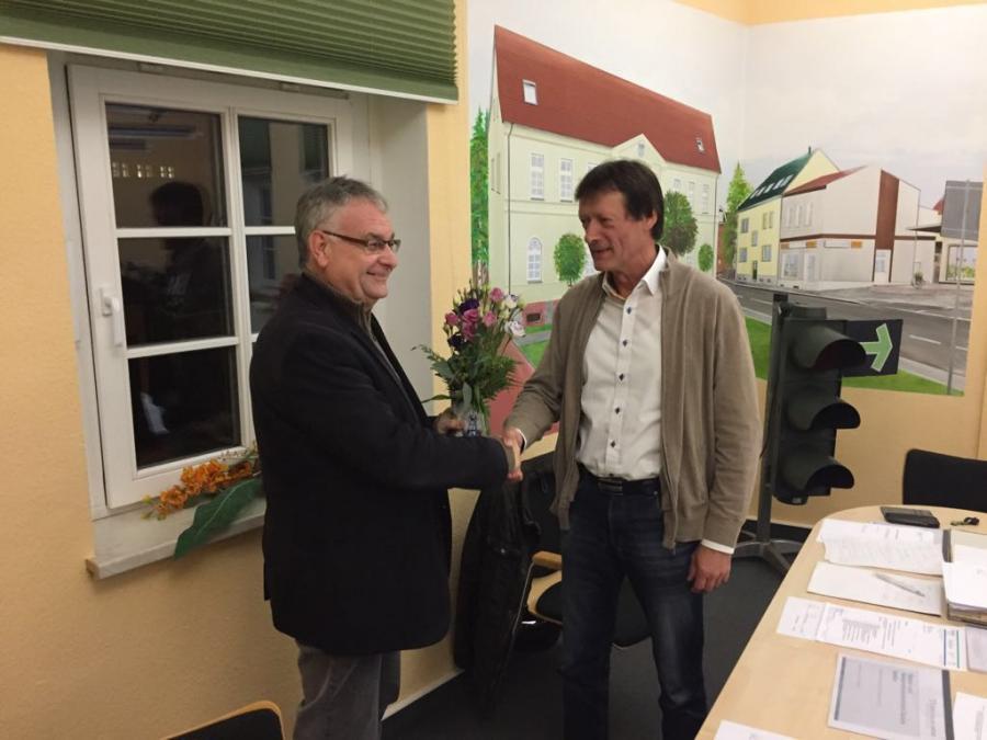 WAZ Wiederwahl des Verbandsvorstehers Gerhardt Schulze