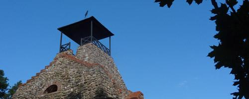 Wandern_Lilie_Pyramide_Turm