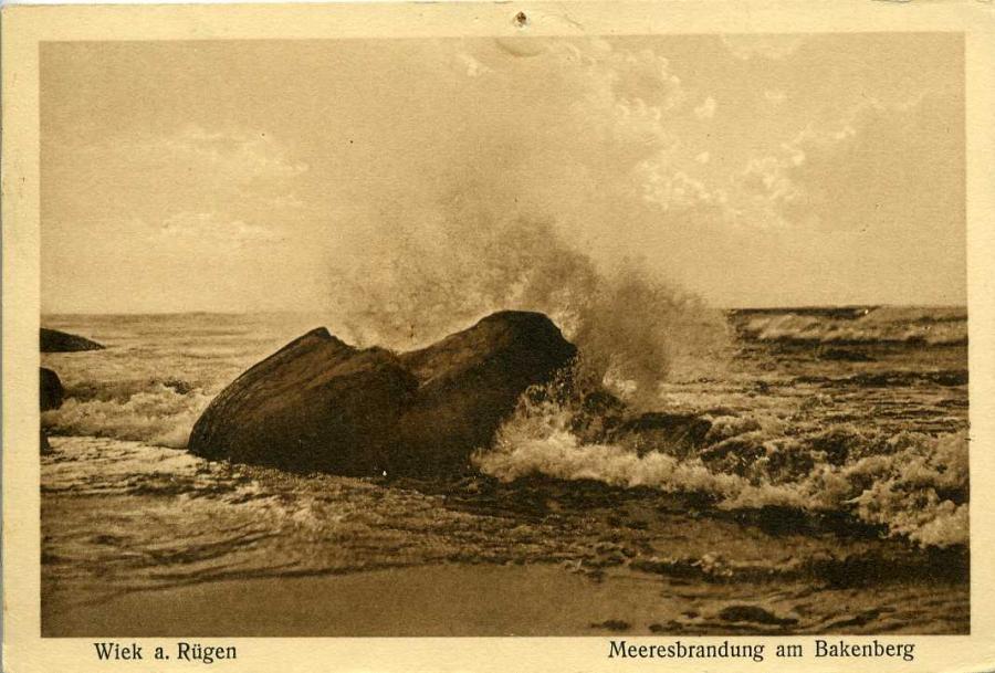 Wiek a.Rügen Meeresbrandung