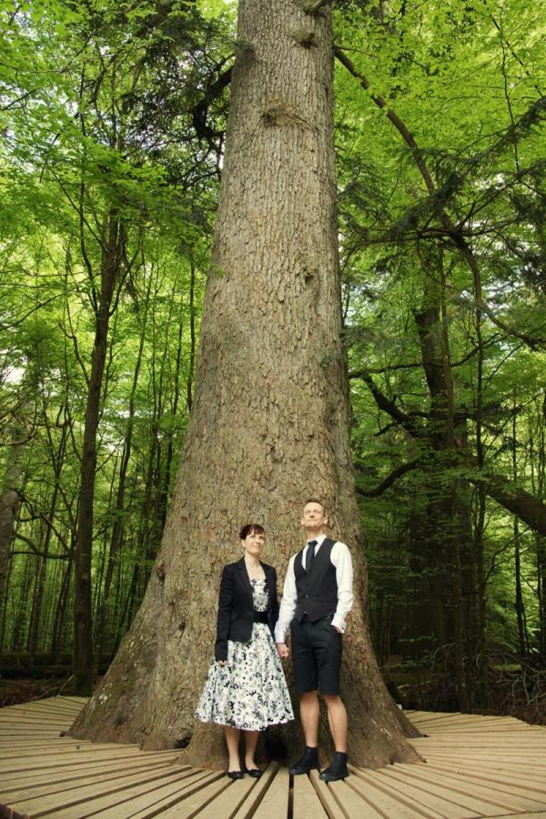 Wildnis-Standesamt Hans Watzlik Hain- Bild Hochzeitsfotografin Sara Pfeffer- Sara´s Fotografie
