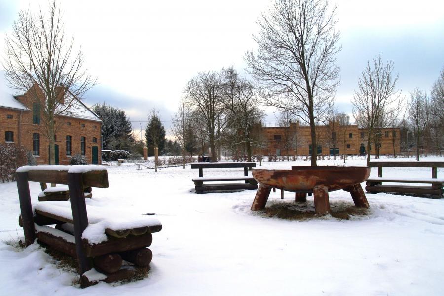 Bürgerzentrum und Festplatz im Winter