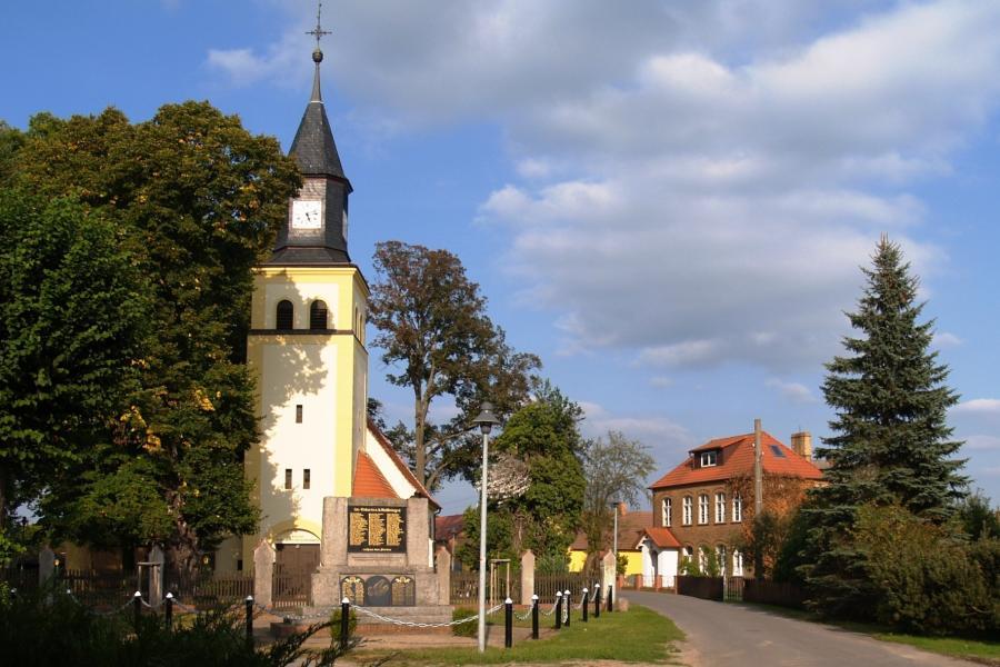 Kirche und Schule Wormlage