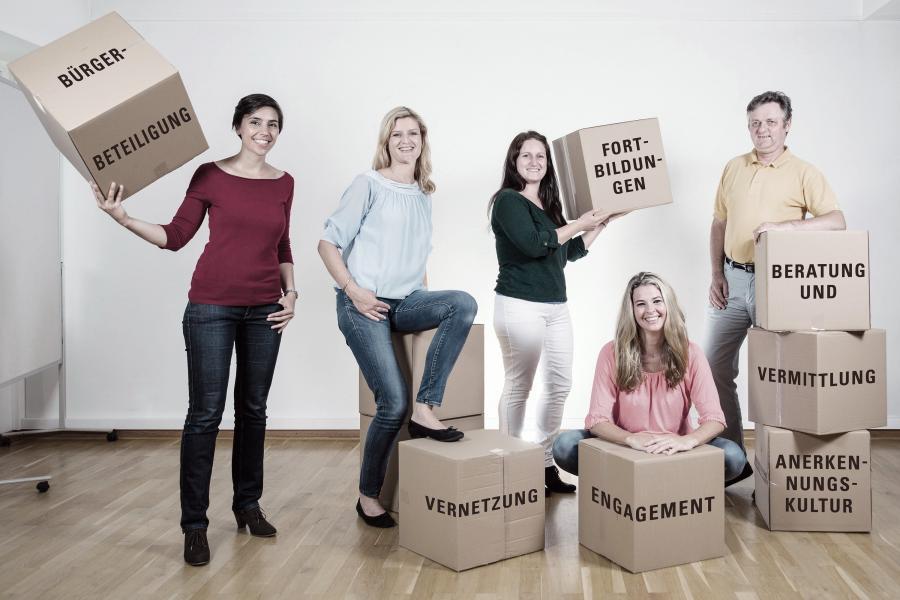 Bild zeigt das Team der Maintal Aktiv Freiwilligenagentur; Foto: Maintal Aktiv Freiwilligenagentur
