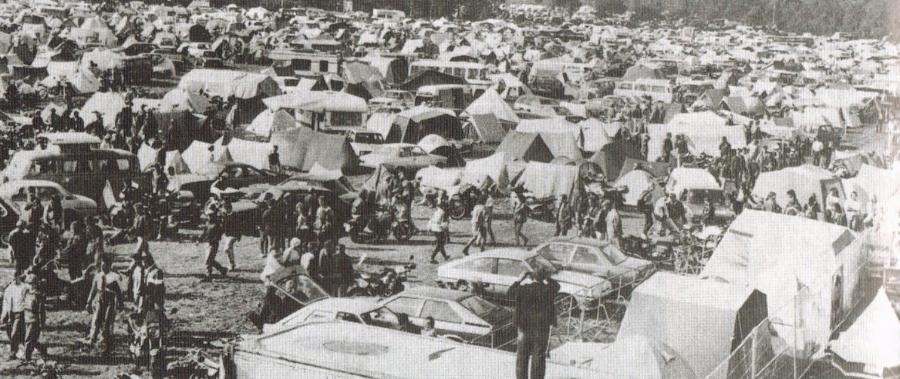 Zelte, Autos und Menschen (1988)