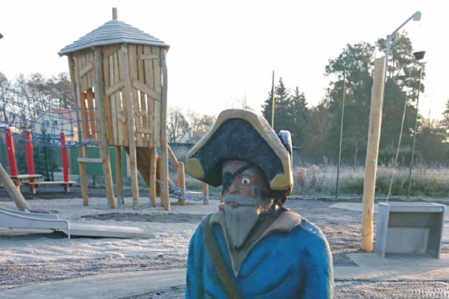 Zerpenschleuse Spielplatz Pirateninsel Pirat, Foto: Gemeinde Wandlitz