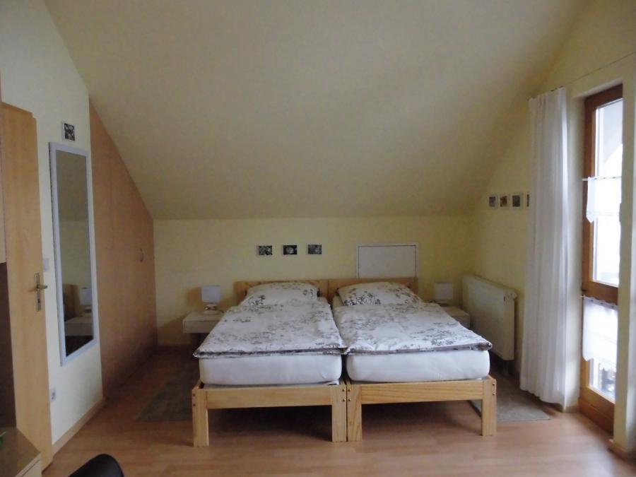 2 Zimmer 1 Schlafbereich