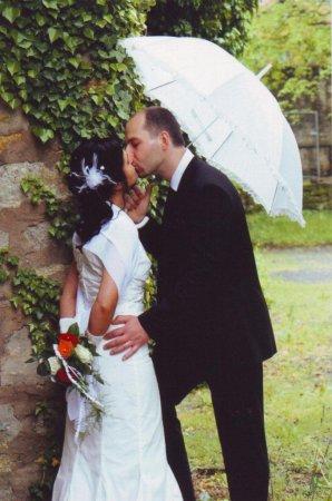Hochzeitspaar im Schlossgarten
