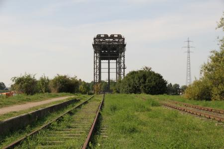 Karniner Brücke + Schienen.JPG
