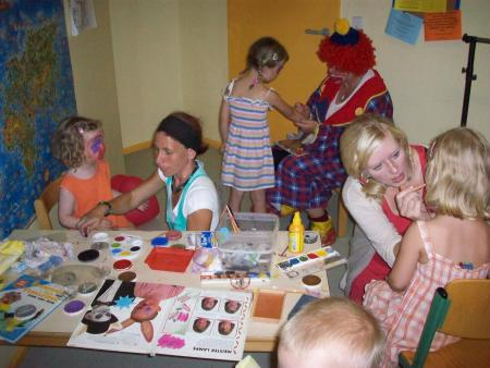 Kinderfest 11 Schminken.JPG