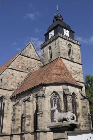 Kirche mit Hektor.jpg
