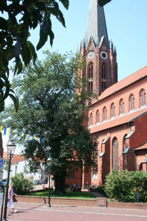 Kirche Sommer