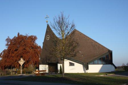 Uttenhofen Kirche