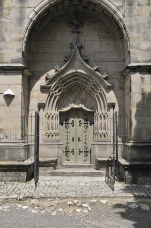 Kirchenportal.jpg