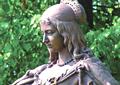 Louise-Henriette-Statue