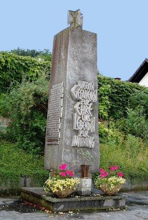Oberg. Kriegerdenkmal