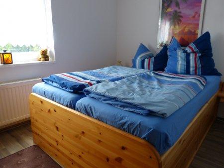 Schlafzimmer im EG mit Französischem Bett