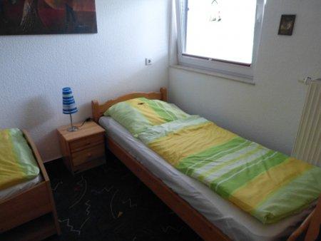 Drittes Schlafzimmer im OG mit 2 Einzelbetten