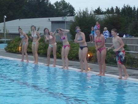 Schwimmer am Beckenrand