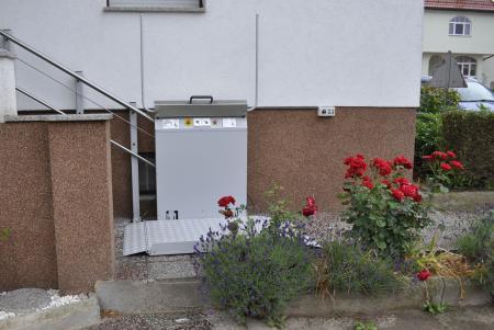 Plattformlift, gerade Ausführung, Außenanlage