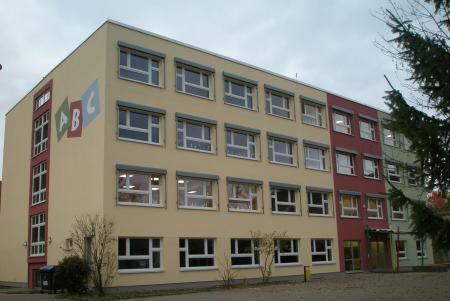 die neu gestaltete Haineck-Schule in Nazza