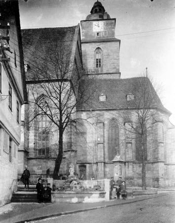 Schulbrunnen 1913 Beerbaum.sw.mueisf.jpg