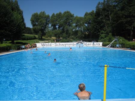 Schwimmbad Becken02.jpg