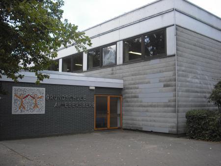 Turnhalle Am Ebersberg (1).JPG