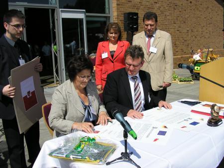 Unterzeichnung Partnerschaftsurkunde am 17.05.2009