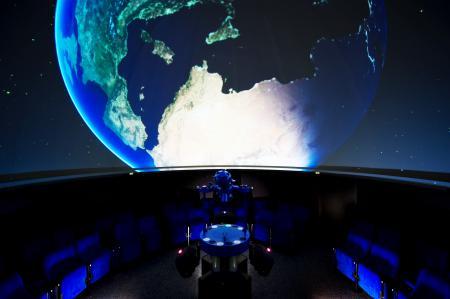 URANIA-Planetarium innen_Foto Yvonne Dickopf.jpg