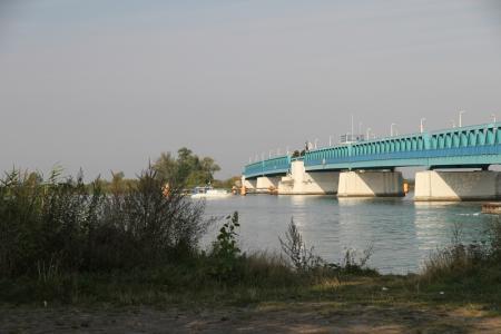 Zecheriner Brücke.JPG