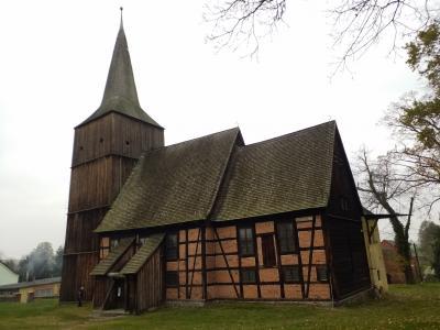 """Bild 04: Holzkirche """"Maria-Heimsuchung"""", Klępsk"""