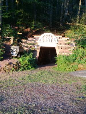 Das Portal des Burgbergstollens