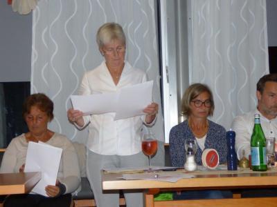 auch Zahlen werden wieder auf den Tisch kommen: Annegret erklärt den Haushalt