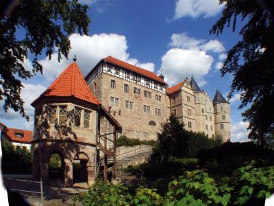 Brunnenhaus (unten links)
