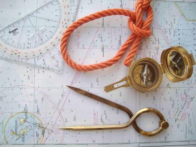 Die praktische Prüfung erfolgt auf unserem Ausbildungsboot Remus 550