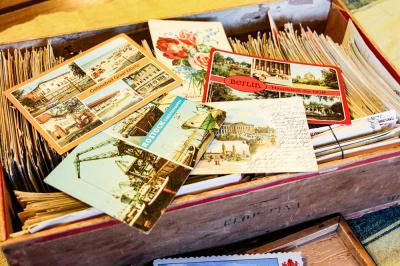 Bunte Grüße aus der Republik_Post für einen Ferienplatz Foto- Museum OSL