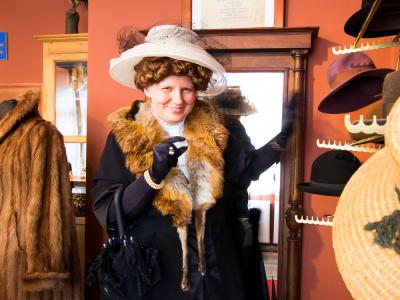 Frau Bürgermeisterin geht shoppen  Foto: MuseumOSL