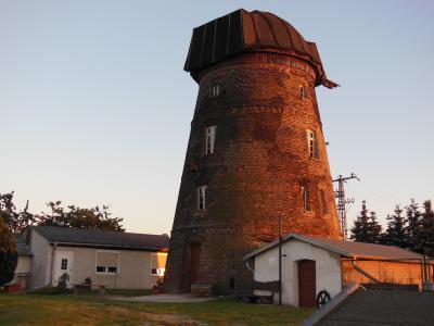 Mühle bei Sonnenuntergang