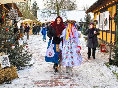 Spreewaldweihnacht Bescherkind  Foto: Gerd Rattei