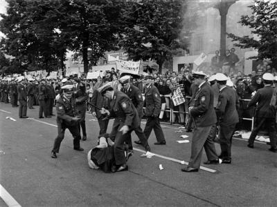 Demonstration anlässlich des Schah-Besuchs, Foto: Stiftung Haus der Geschichte der Bundesrepublik Deutschland